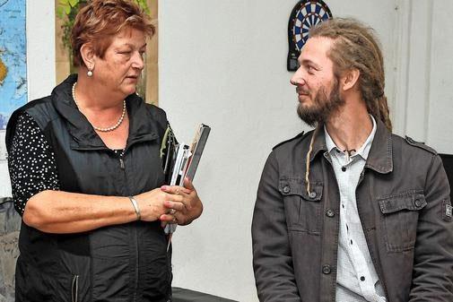 Mario Gose (hier mit der SPD-Landtagsabgeordneten Barbara Hackenschmidt) gelang es, im Götzer Flüchtlingsstreit zu vermitteln