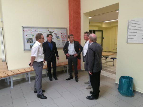 Bildungsminister Günter Baaske in Falkenberg