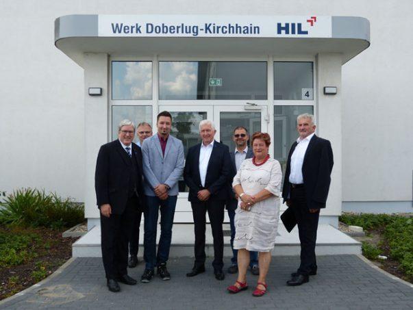 Wirtschaftsminister Jörg Steinbach und Barbara Hackenschmidt (MdL) bei der HIL.