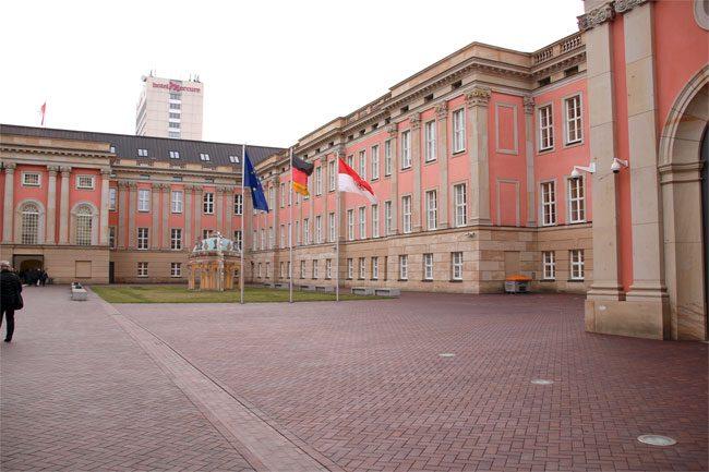 Der Potsdamer Landtag - Brandenburger Geschichte und Moderne vereint.